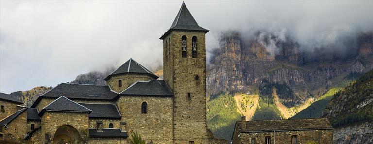 Torla Iglesia